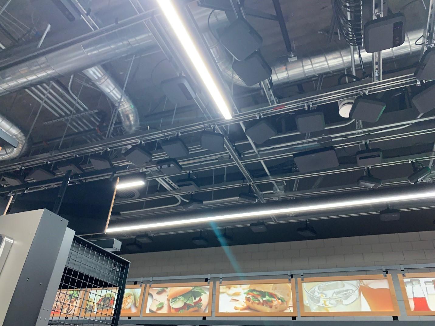 AmazonGo店内のセンサー・カメラ